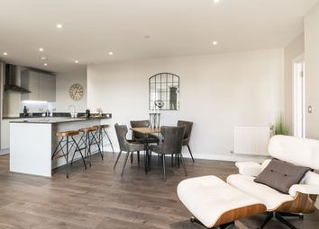 2 bed flat for sale in Limeharbour, London E14