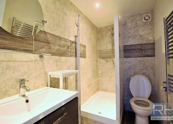 Thumbnail 2 bed flat to rent in Kelvin Road, Highbury East