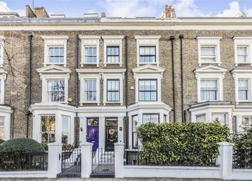 Thumbnail 6 bed property for sale in Warwick Gardens, London