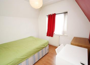 Room to rent in Old Oak Common Lane, London W3