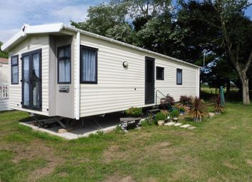 Thumbnail 2 bedroom mobile/park home for sale in Lords Lane, Burgh Castle, Great Yarmouth