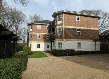 Thumbnail 2 bedroom flat to rent in Chesham Road, Berkhamsted