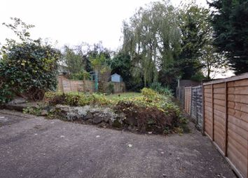 3 bed semi-detached house to rent in Mountfield Road, Luton LU2