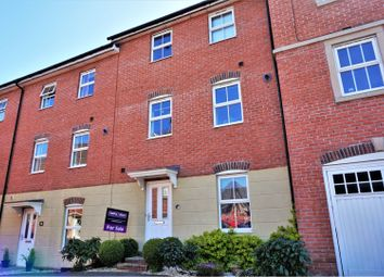5 bed terraced house for sale in Drovers, Sturminster Newton DT10