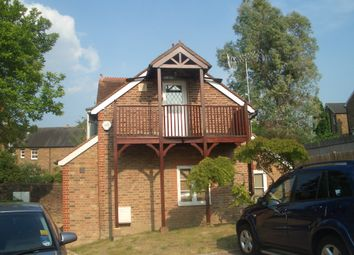 2 bed detached house to rent in York Road, Guildford GU1