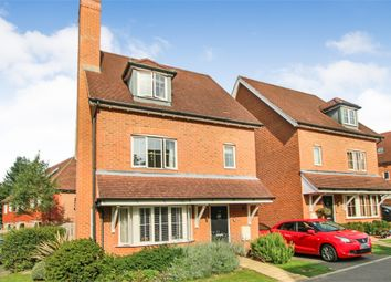 4 bed link-detached house for sale in 12 Surrey View, East Grinstead, West Sussex RH19