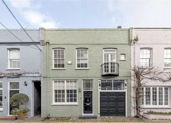 Thumbnail 4 bed property for sale in Princes Gate Mews, London