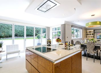 Thumbnail 3 bedroom flat for sale in South Park View, Gerrards Cross, Buckinghamshire