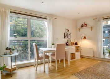 Thumbnail 1 bed flat for sale in Essex Road, Islington