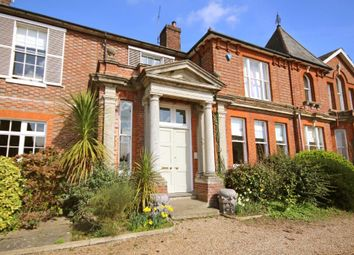 Thumbnail 6 bed terraced house for sale in Tonbridge Road, Wateringbury