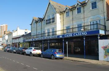 Thumbnail Retail premises to let in 6-8 Waterloo Square, Bognor Regis, West Sussex
