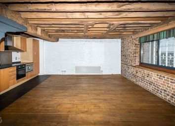 Hertsmere Road, London E14. 2 bed flat for sale