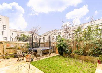 Thumbnail 5 bed flat to rent in Richmond Road, Dalston