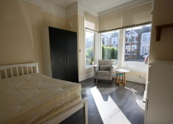 Thumbnail Studio to rent in Cavendish Gardens, Ilford, Essex