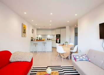 Thumbnail 2 bed flat to rent in Flat 16, New North Road, London