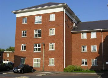 Thumbnail 2 bed flat to rent in Thornycroft Close, Newbury