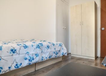 Room to rent in Limehouse Causeway, London E14