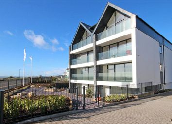 Southbourne Overcliff Drive, Southbourne, Bournemouth BH6. 2 bed flat for sale