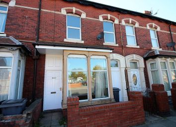 2 bed flat to rent in Central Drive, Blackpool, Lancashire FY1