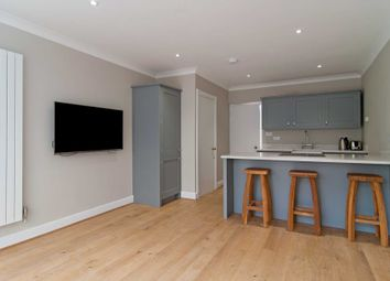 Thumbnail 5 bed flat to rent in Walton Street, London