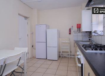 Thumbnail 5 bed property to rent in Brune Street, London