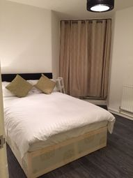 Thumbnail Room to rent in Chicksand Street, London