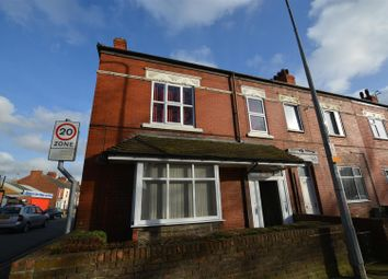 Thumbnail 2 bed flat to rent in Frodingham Road, Scunthorpe
