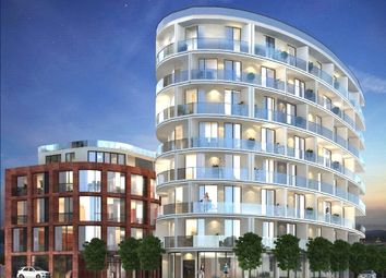 Thumbnail 3 bedroom flat for sale in Gateway House, Regents Park Road, London
