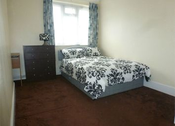 Thumbnail Room to rent in Elizabeth Close, Poplar / Docklands
