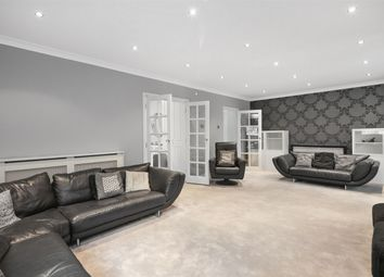 Thumbnail 5 bed detached house to rent in Heath Close, London