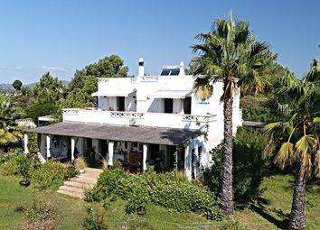 Thumbnail 5 bed villa for sale in Portugal, Algarve, Luz De Tavira