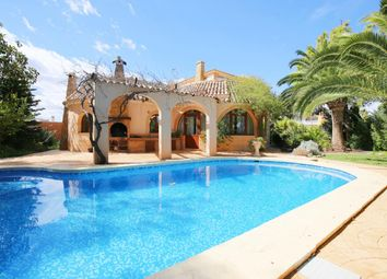 Thumbnail 4 bed chalet for sale in Calle Carlos Torres 03189, Orihuela, Alicante