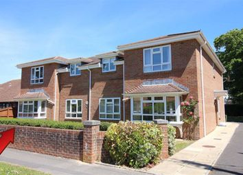 2 bed flat for sale in Mount Avenue, New Milton, Hampshire BH25