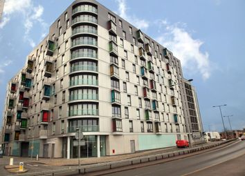 Thumbnail 1 bed flat to rent in Hunsaker, Alfred Street, Reading, Berkshire