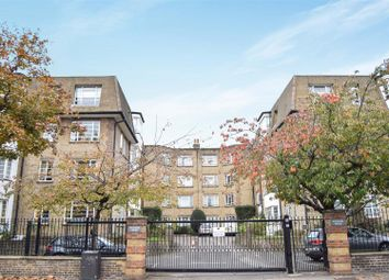 Thumbnail 4 bed flat to rent in Woodside, London