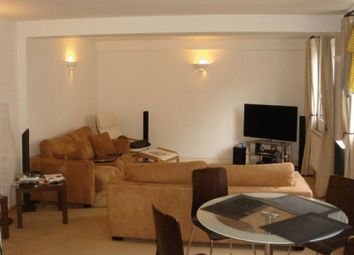 3 bed flat to rent in Alie Street, London E1
