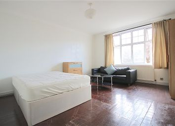 Thumbnail 4 bedroom shared accommodation to rent in Kings Avenue, Clapham, London