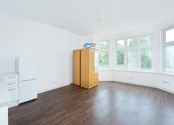 Thumbnail 1 bedroom flat to rent in Streatham Common North, London