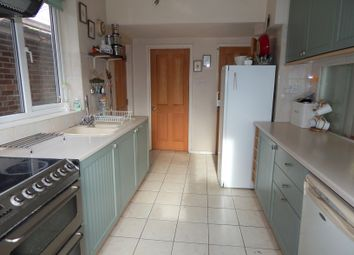 Thumbnail 4 bedroom detached house for sale in Appleford Drive, Abingdon