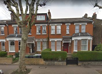 2 bed terraced house to rent in Stapleton Hall Road, London, Greater London. N4