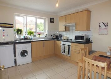 Thumbnail 2 bed flat to rent in Kentwood Hill, Tilehurst, Reading