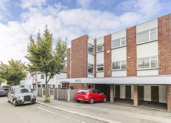1 bed flat for sale in Horn Lane, Woodford Green IG8