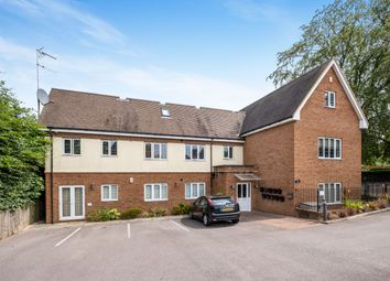 2 bed flat to rent in Monteagle Lane, Yateley GU46