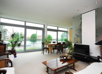 Thumbnail 2 bed flat to rent in Battersea Church Road, Battersea