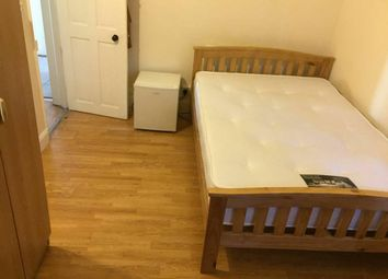 Thumbnail Room to rent in Brightwell Crescent, Tooting Broadway