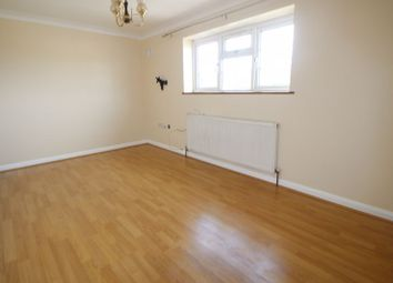 Thumbnail 1 bed flat to rent in Quinbrookes, Slough