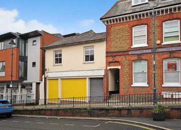 Thumbnail 2 bed flat to rent in High Street, Alton