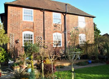 Thumbnail 6 bed detached house to rent in Church Road, Potters Bar