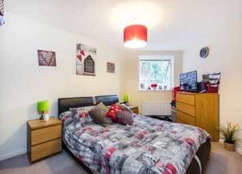 Thumbnail 1 bedroom flat for sale in Lordship Lane, Dulwich