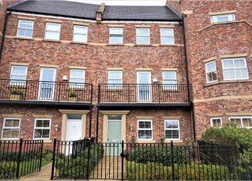 Thumbnail 5 bedroom town house for sale in Featherstone Grove, Newcastle Upon Tyne